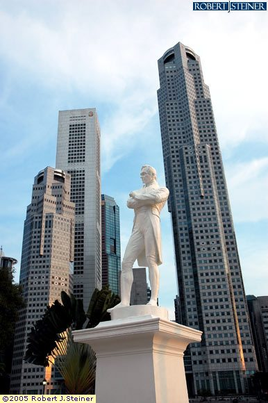 Sir Stamford Raffles, Close Up