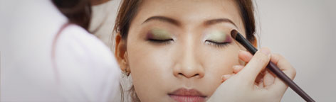 5523d42bcae2aec616b5f342_makeup-s.jpg